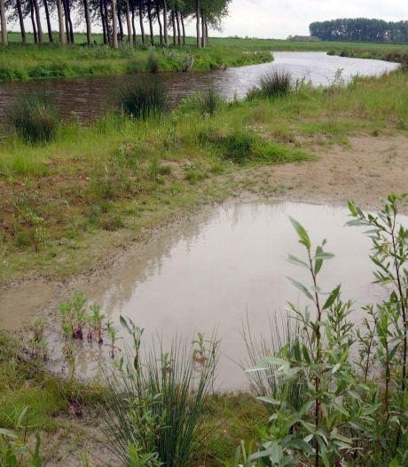 Hoognodige baggerklus wacht waterweg van Cadzand tot Waterlandkerkje