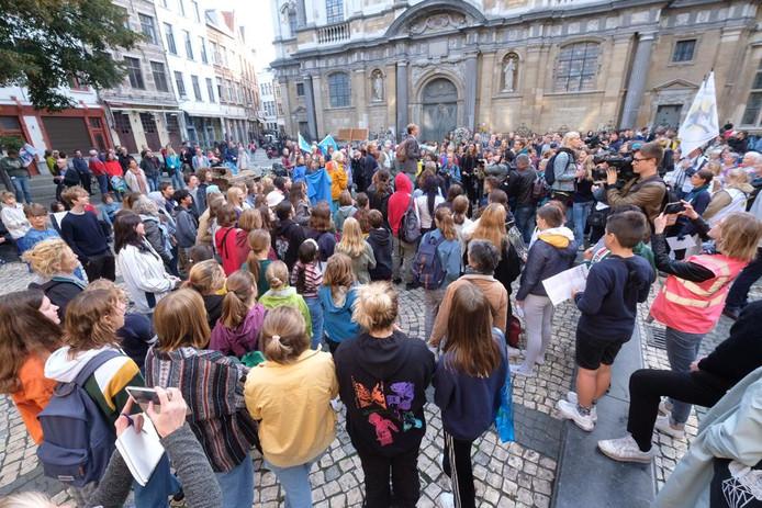 650 klimaatjongeren verzamelen op het Conscienceplein