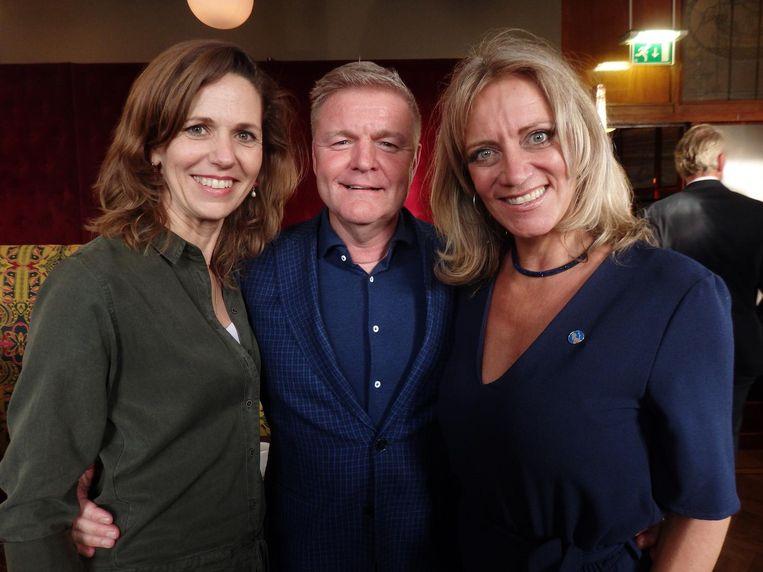 Willemijn Maas (ex-Avro, nu SNS Bank), filmjournalist René Mioch en oud-Paroolhoofdredacteur Barbara van Beukering (vlrn). Mioch: 'Maan is er niet, hoor' Beeld Schuim