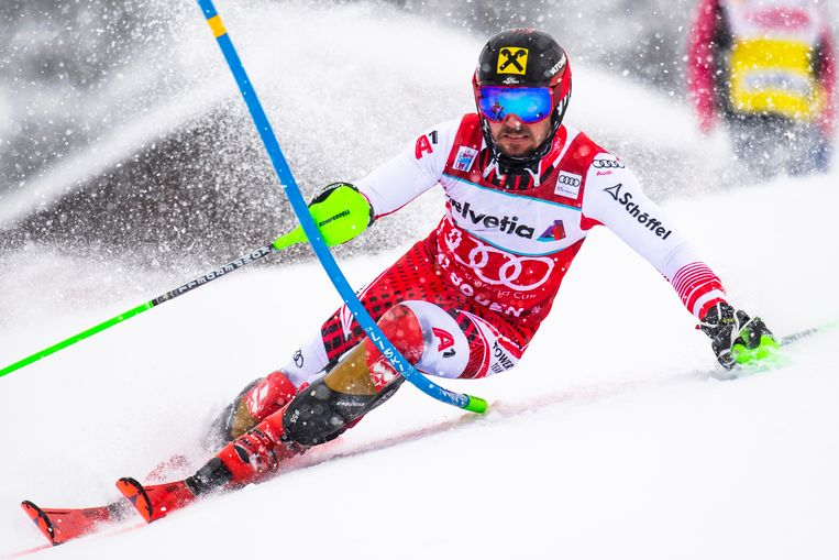 epa07279459 Marcel Hirscher of Austria in action during the first run of the men's Slalom race at the FIS Alpine Skiing World Cup in Adelboden, Switzerland, 13 January 2019.  EPA/JEAN-CHRISTOPHE BOTT