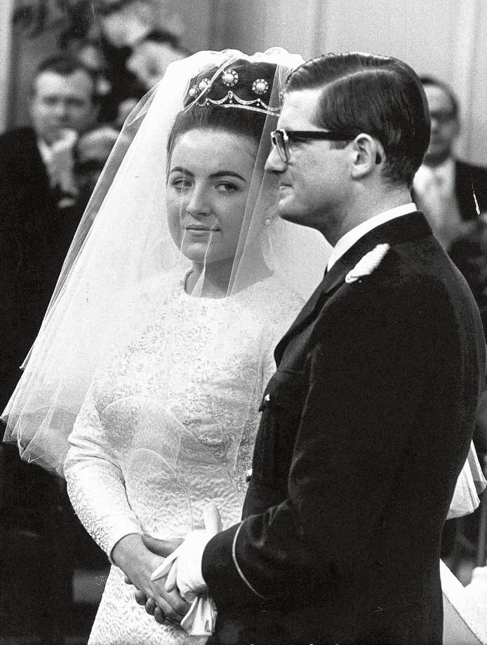 Prinses Margriet Trekt Bruidsjurk Uit De Kast Voor 52ste