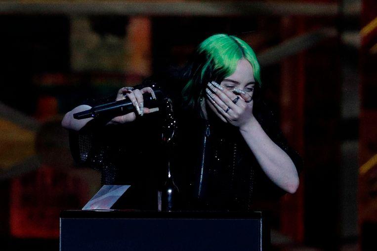 Billie Eilish werd onverwacht erg emotioneel en barstte in tranen uit.