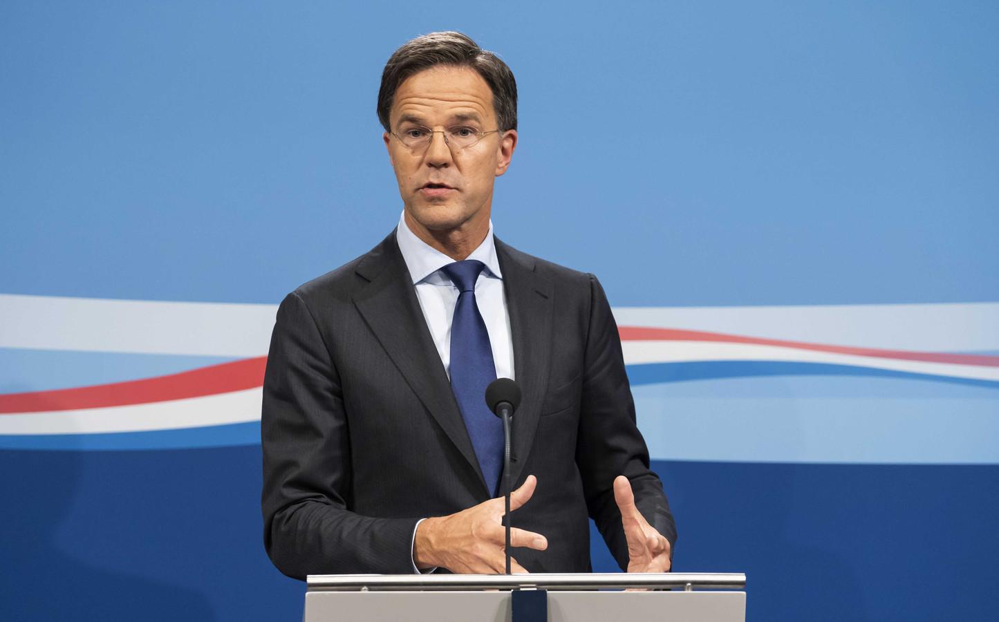Bedrijven moeten zich houden aan de 'fundamentele, naoorlogse afspraak' dat lonen stijgen als het goed gaat met bedrijven, aldus minister-president Mark Rutte