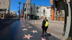 """Onze Hollywoodvrouw toont verlaten Los Angeles: """"Luxewinkels werden leeggehaald tegen plunderaars"""""""