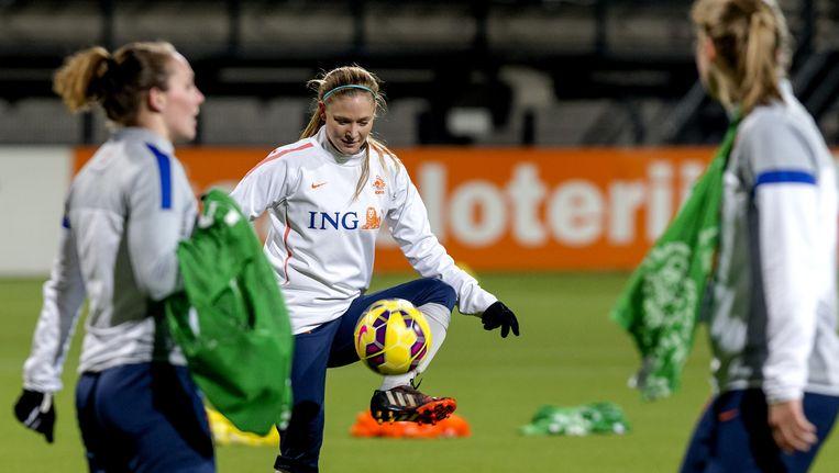 Het Nederlands vrouwenelftal tijdens een training in het Polman stadion voor de oefenwedstrijd tegen Thailand. Beeld anp