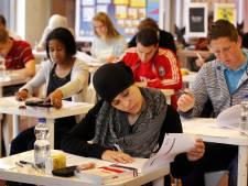 Commissie: Controle op schoolexamens schiet tekort