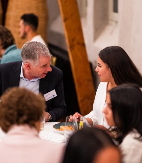 Jongeren uit Arnhem kunnen bankdirecteur ook iets leren