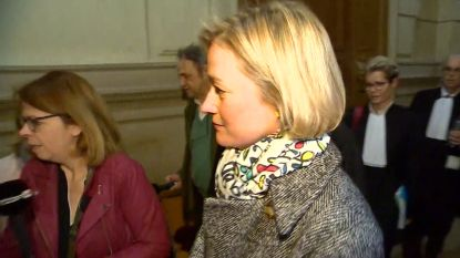 Delphine Boël komt aan op proces tegen Koning Albert en eist DNA-staal