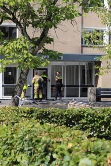 Schrik in Arnhemse ouderenflat na politie-inval om drugs
