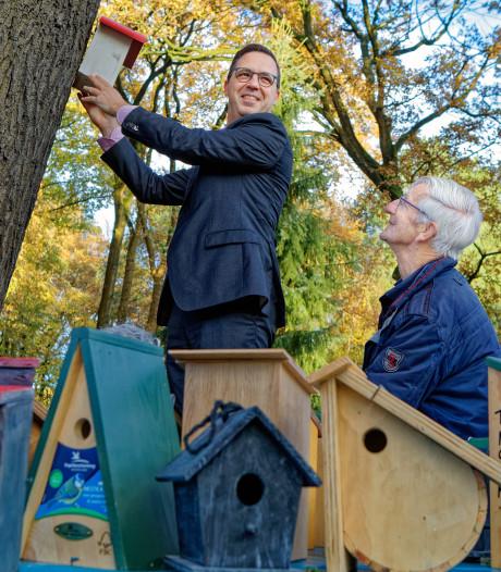 Natuurlijke bestrijding bij de Warande: vogelhuisjes in strijd tegen de jeukrups