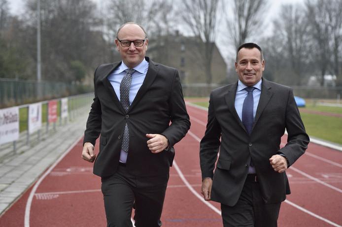 Wethouder Jan Willem van Gelder en Eggo Bert Smid van Atletiek Cub Gouda