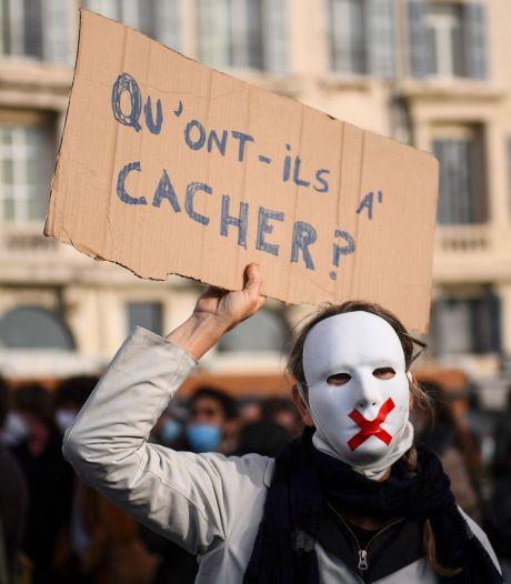 """""""Floutage de gueule"""": la France en colère contre la loi """"sécurité globale"""""""