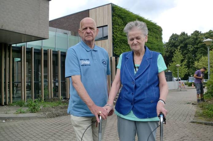 Annie Veraart verhuist vandaag naar het Parkinsonhuys. Haar man Rinus wordt daar vrijwilliger. foto frank timmers