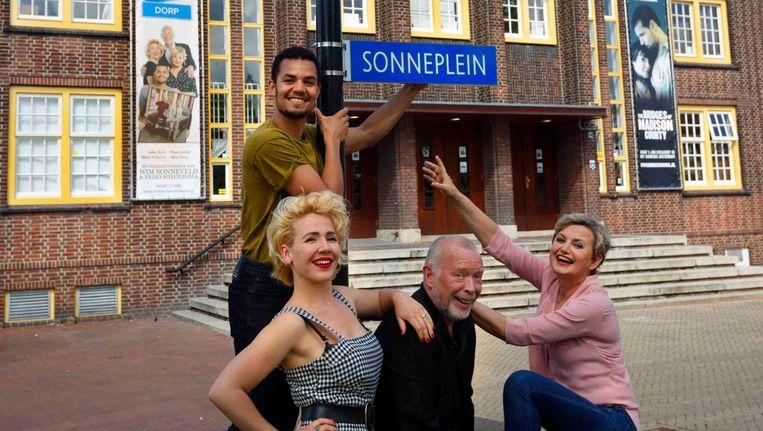 Het Zonneplein in Noord is in de maand juni omgedoopt tot Sonneplein. Beeld Zonnehuis