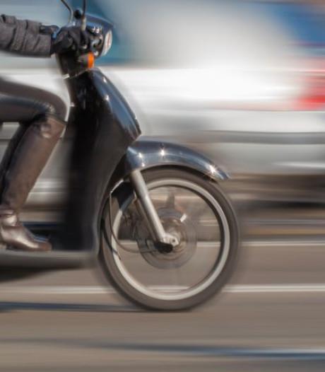 Jongen (17) beroofd van scooter en portemonnee door man met hond in Breda