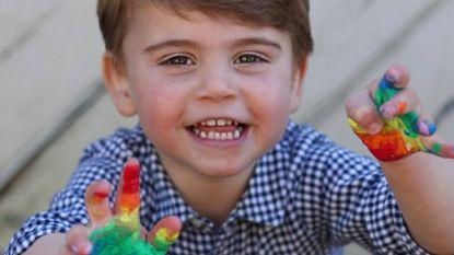 Buckingham Palace geeft nieuwe foto's van prins Louis vrij (en hij lijkt sprékend op George)
