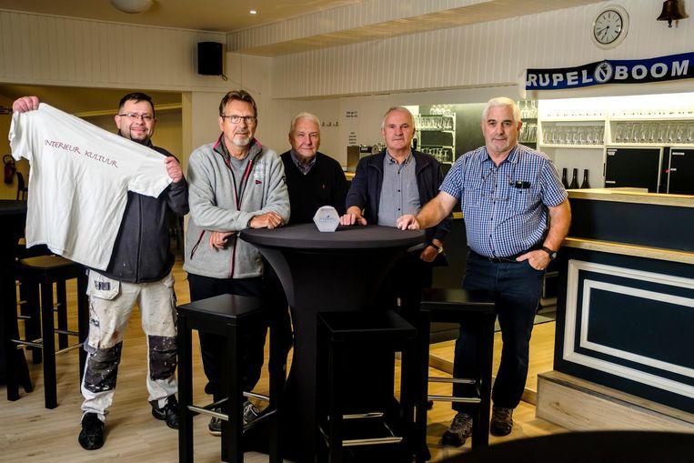 Medewerkers van Rupel Boom in de vernieuwde kantine.