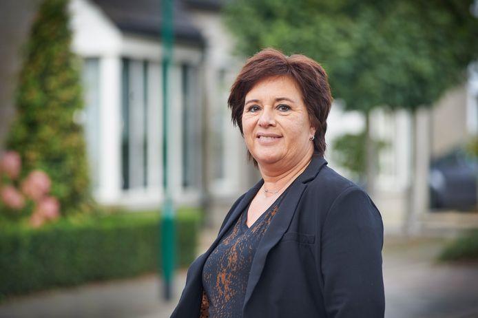 Christel van der Leest wacht in het ziekenhuis op het moment dat ze haar nieuwe nier krijgt en ze haar leven weer op kan pakken.