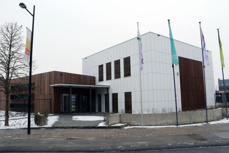 De geothermische installatie, de koelplafonds en andere duurzame ingrepen maken van het Ons-huis een energiezuinig kantoor.