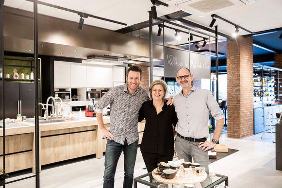 Carine Biesmans en haar man Yves Hauben (rechts) lanceren een nieuw concept: Meet, Cook & Eat! En met personal tainer Koen Wins ligt de focus ook op bewegen en gezonde voeding.