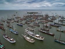 Bruine vloot 'voor Pampus', emoties komen boven: 'Ik schoot even vol'