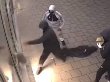 Gezocht: inbrekers die met behulp van twee grote keien 1100 sigarettenpakjes jatten in Lent