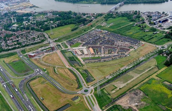 Luchtfoto van de wijk Baanhoek in Sliedrecht.