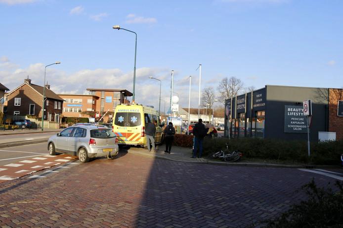 Hulpverleners aan het werk na het ongeluk in Boxmeer.