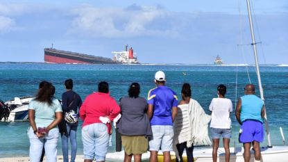 Mauritius roept de noodtoestand uit na olielek in zee