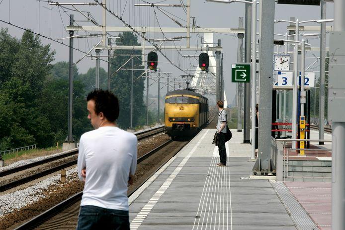 Een rustig station Utrecht Zuilen.