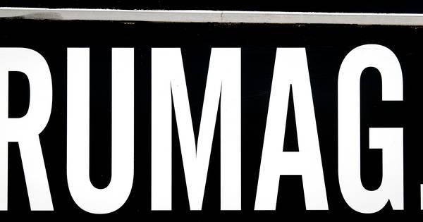 Lubach begint actie tegen 'aan corona verdienend' Rumag