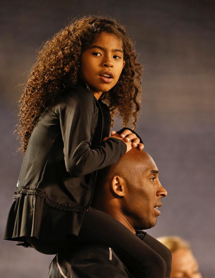 Kobe Bryant met zijn dochter Gianna.