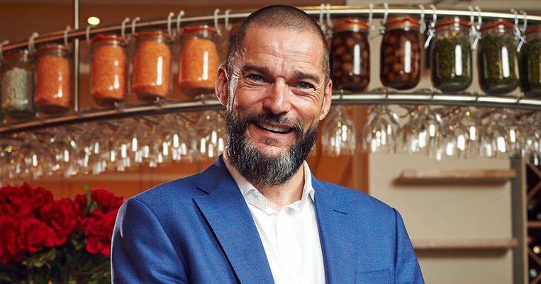 'First Dates' loopt in het VK op Channel 4, met o.a. Fred Sirieix (foto)  - de gastheer van het restaurant waar de dates plaatsvinden.