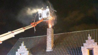 Schoorsteen vat vuur in Bosdorp
