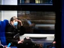 Wie neemt deze regering nog serieus als we in bussen en treinen nep-mondkapjes moeten dragen?