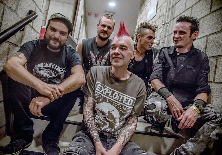 Punkband Funeral Dress last een sabbatjaar in.