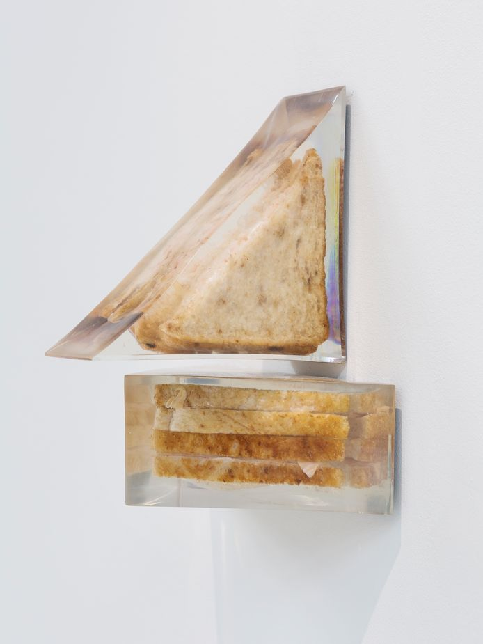 Alex Frost: Smoked Salmon and Soft Cream Cheese on Brown Bread. Foto Galerie Mieke van Schaijk