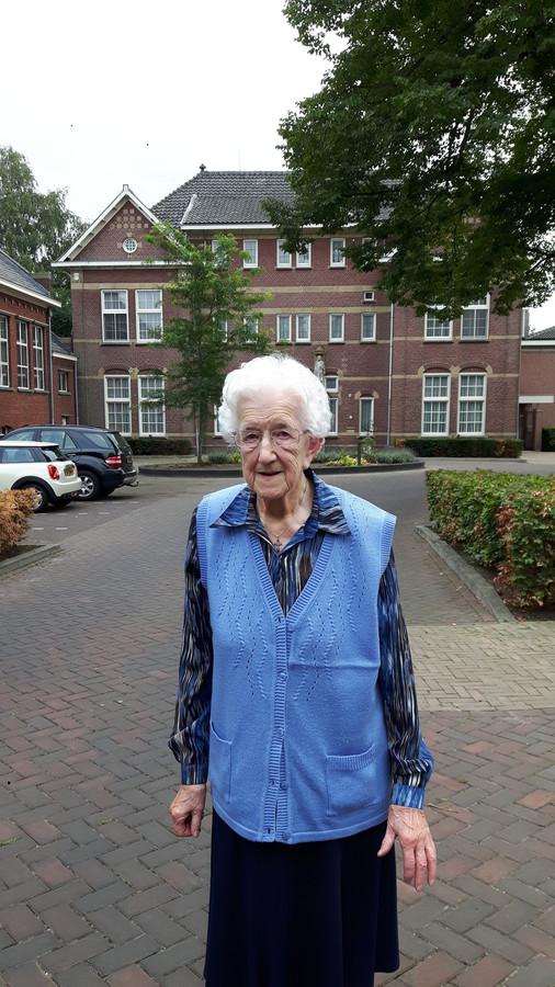Zuster Theodata, ofwel zuster Maria, is een van de laatste franciscanessen die de Catharinenberg in Oisterwijk hebben verlaten.