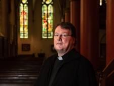 Priestertekort leidt tot minder vieringen in Hengelo, Borne en Hof van Twente