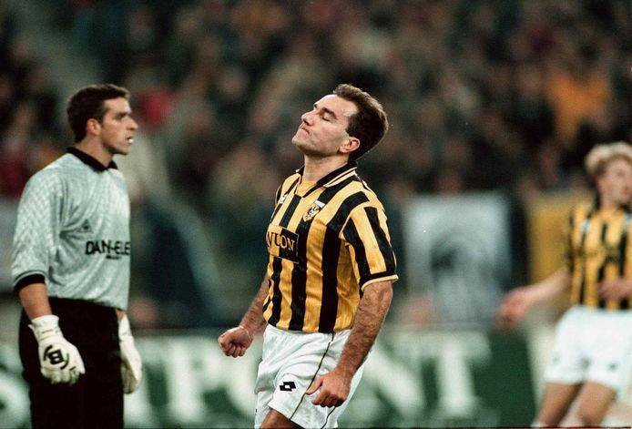 Curovic na een afgekeurd doelpunt.