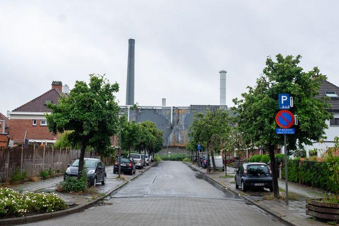De fabrieksschouwen van Umicore in de wijk Moretusburg.