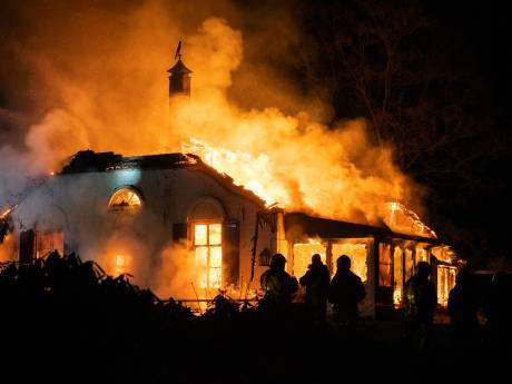 'Boerderijbrand op Hoge Veluwe ontstaan in de schoorsteen'
