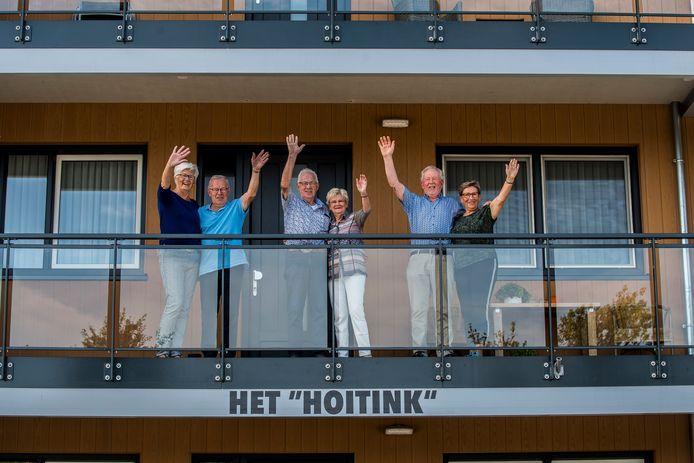 Henny en Marietje Vetketel , Joke en Theo Spoler, Arnold en Diny Westen.