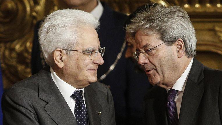 De nieuwe premier Gentiloni, rechts, met president Mattarella. Beeld EPA