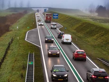 Verkeer muurvast op de N50 tussen Zwolle en Kampen na ongeval: andere kant op ook file