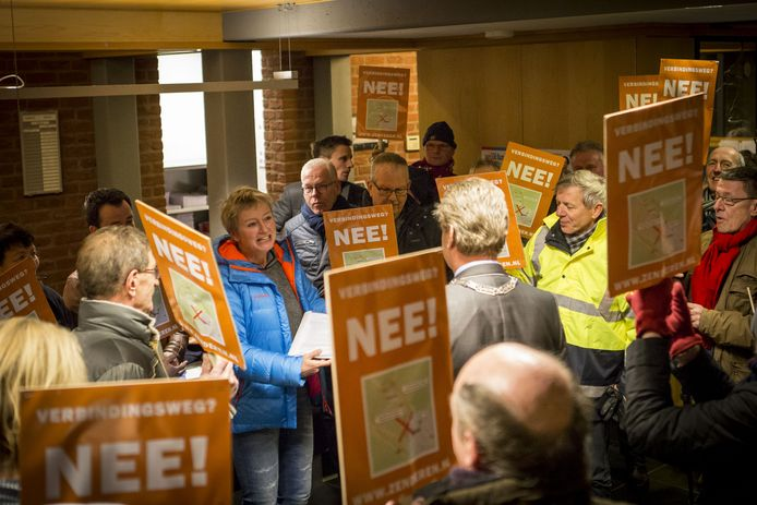 Begin dit jaar voeren inwoners van Zenderen nog actie tegen de  Verbindingsweg.