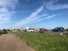 Dijk bij Wijhe weer open na zwaar ongeluk met fietser