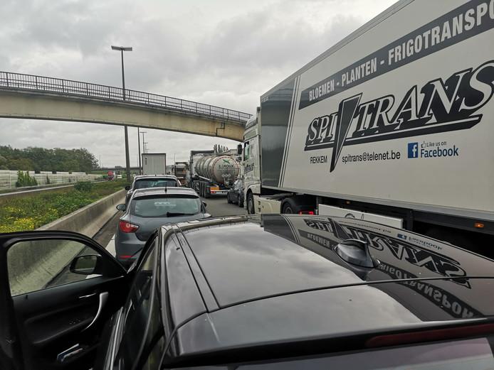 Une lectrice de 7sur7 est à l'arrêt après Saint-Ghislain depuis plusieurs heures
