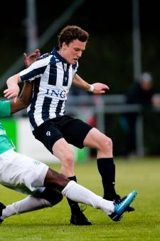 Derde divisies in amateurvoetbal krimpen in naar zeventien clubs