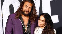 Toppunt van romantiek: 'Aquaman'-acteur Jason Momoa verrast vrouw door haar allereerste auto te herstellen